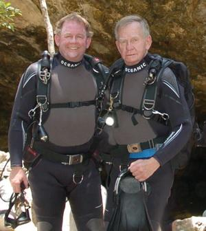 Mike und Bob Hollis - American Underwater Products