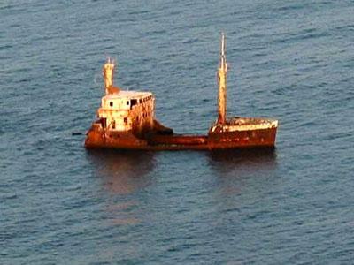 Schiff-Wrack  AKRA von Vama-Veche,Rumänien
