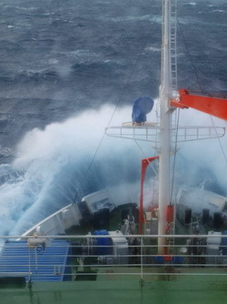 'METEOR' in heavy seas off South Africa © A. Biastoch