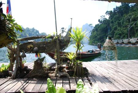 Praiwan Raft House,Cheow Lan Lake im Khao Sok Nationalpark,Thailand