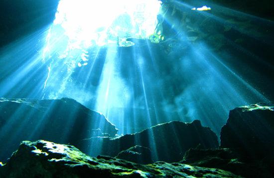 Unfassbares Lichtspiel, Cenote dive, Deep Dive Mexico, Mexiko