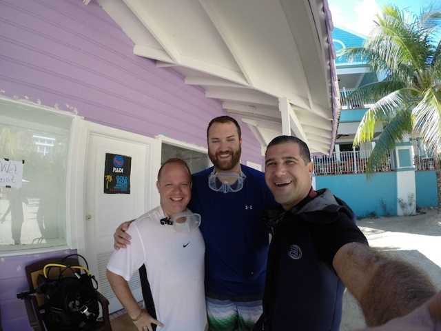 Taucher mit dem Instrukteur, Scuba Caribe Riu Montego Bay, Jamaika