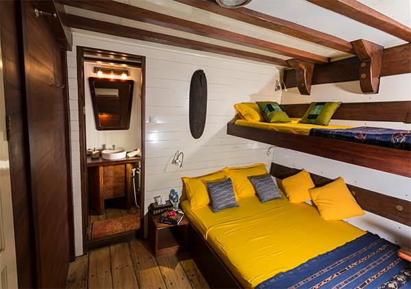 Double bed cabins 3 & 4 lower deck MV Ambai, Double bed cabins 3 & 4 lower deck MV Ambai, MV Ambai, Indonesien, Allgemein