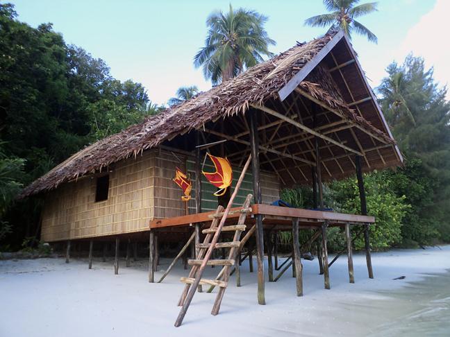 Deluxe water cottage, Kri Eco Resort, Indonesien, Allgemein