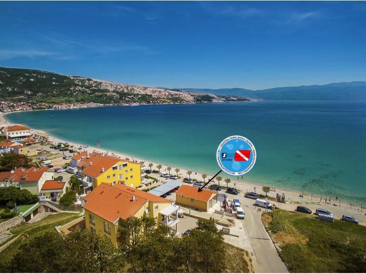 Tauchbasis Squatina Diving direkt am Strand, Tauchbasis Baska, Insel Krk, Kroatien, direkt am Meer, Strand, deutschsprachig, Squatina Diving, Baska, Insel Krk