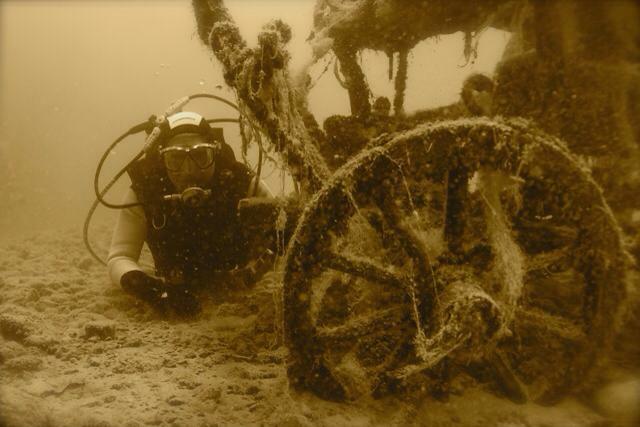 Versenkte Kutsche Dive World , Dive World Diving.de Diving weissensee tauchen Kurse Padi Ssi, Tauchbasis Dive-World, Weissensee-Ost, Österreich