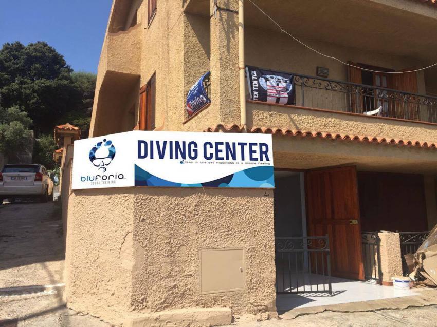 Diving Center, Bluforia, Italien, Sardinien