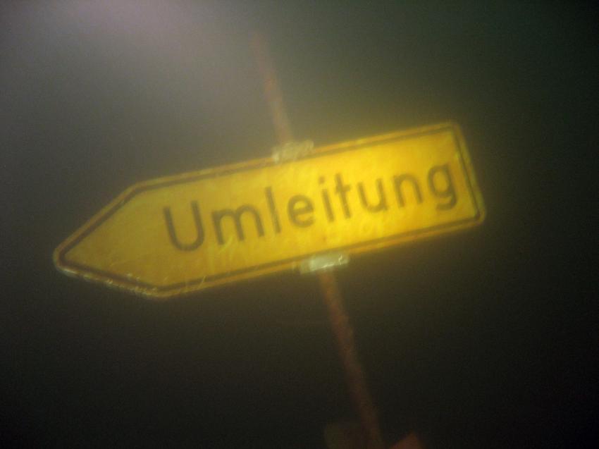 Sorpesee Wintertauchplatz, Sorpesee,Nordrhein-Westfalen,Deutschland,Hinweisschild