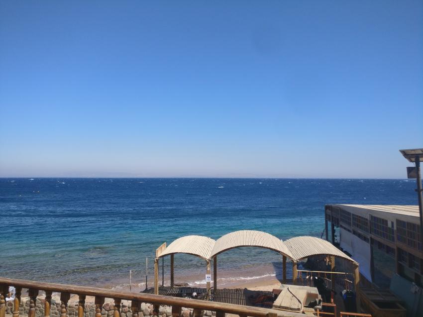 Blick von der Sonnenterrasse auf die Bucht, Sea Dancer Dive Center, Dahab, Ägypten, Sinai-Nord ab Dahab