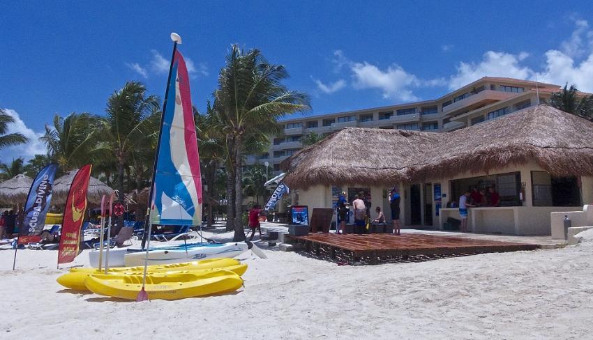 Pro Dive Tauchbasis im Dreams Puerto Aventuras, Pro Dive Mexico, Dreams Puerto Aventuras & Spa, Mexiko