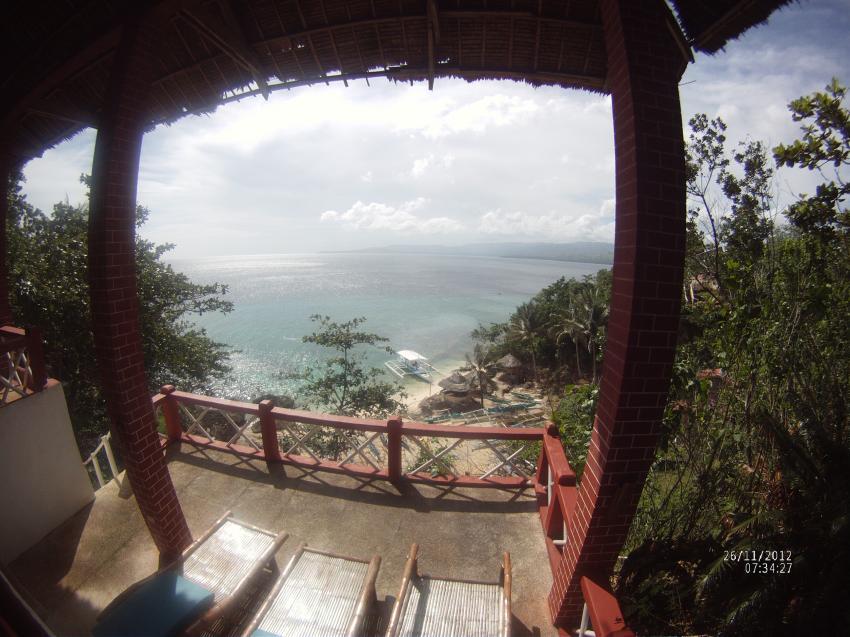 Coco White Beach Resort