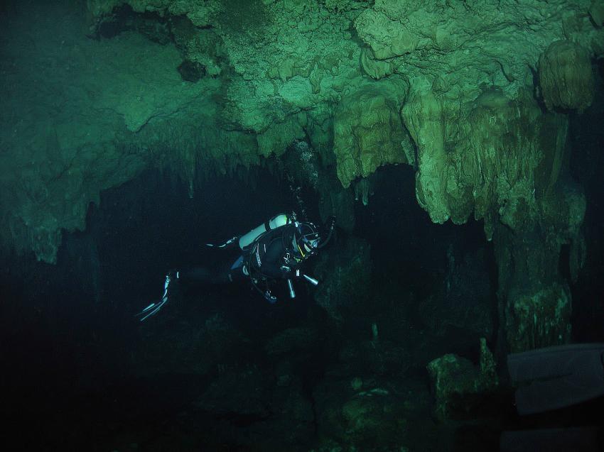 Cenote Aktun-Ha (CarWash), Cenote Aktun-Ha (CarWash),Mexiko,Höhle,Stalagmiten,Tropfsteine,Stalaktiten