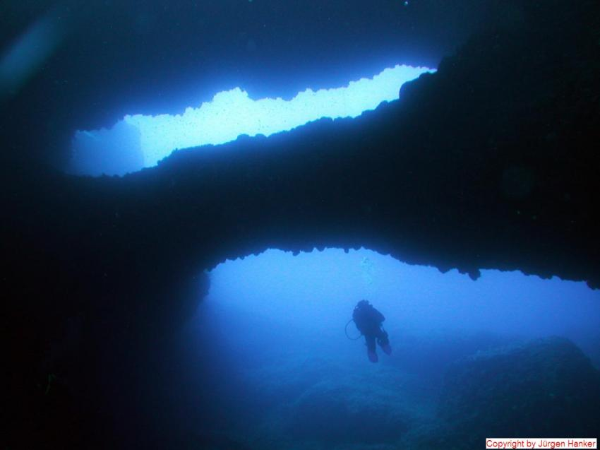 Gozo Aqua Sports - Dive Centre, Gozo allgemein,Malta,Double Arch,höhle,blau