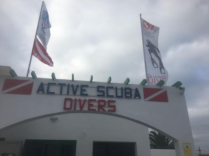 Active Scuba Divers, Costa Teguise, Lanzarote, Spanien, Kanaren (Kanarische Inseln)