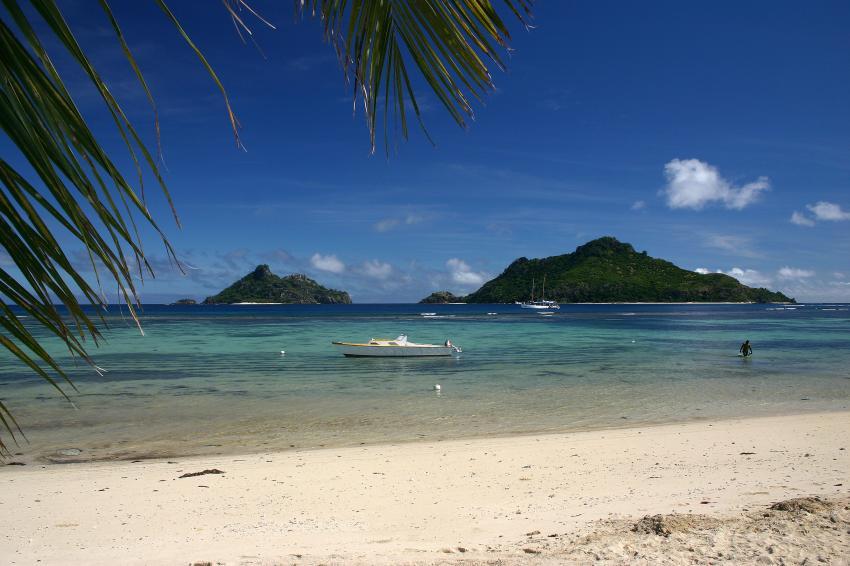 Mamanucas/Modriki, Mamanucas/Modriki,Fidschi,Strand,Palme,Berge,blaues Wasser