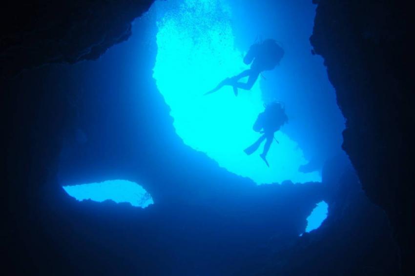 Pescador Island Cave, Pescador Island Cave, Parrot Resort Moalboal, Philippinen