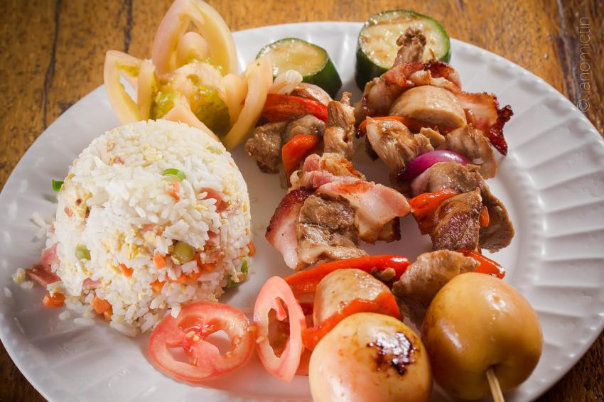 Gutes Essen im Wellbeach Restaurant, Wellbeach Dive Resort Maluay Negros Oriental, Philippinen