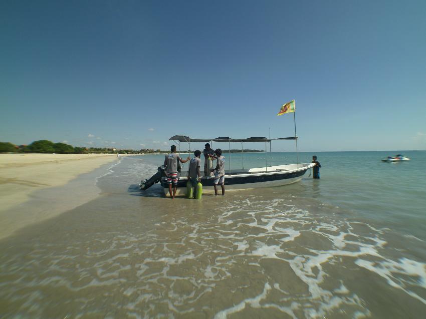Tauchboot, LSR Diving Passikuda, Sri Lanka