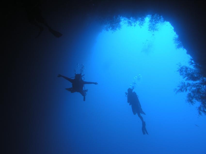 Blue Hole und New Drop Off, Blue Hole und New Drop Off,Palau,tor,torbogen,schweben,fliegen