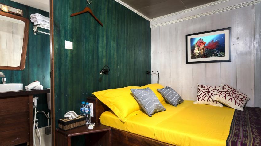 Double bed cabin upper deck MV Ambai, M/V Ambai, Indonesien, Allgemein