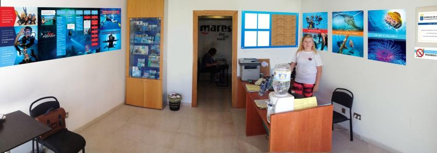 Tauchbasis front office - Delphinus, tauchbasis fuerteventura, tauchschule fueteventura, tauchbasis costa calma, Delphinus Diving School Fuerteventura, Spanien, Kanarische Inseln