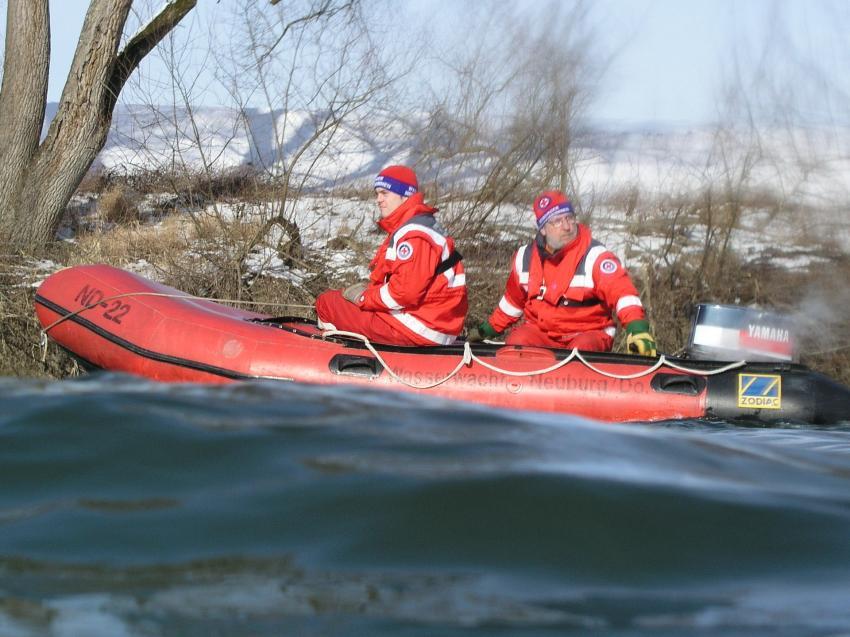Donauschwimmen in Neuburg/Donau, Donau,Neuburg,Bayern,Deutschland,Wasserwacht,rettung,unfall,boot