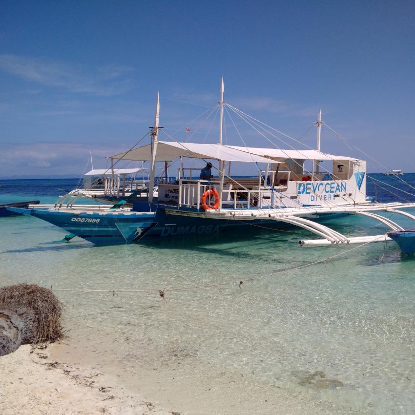Eines der typischen Boote, Devocean Divers, Malapascua (ehemals Seaquest Divecenter), Philippinen
