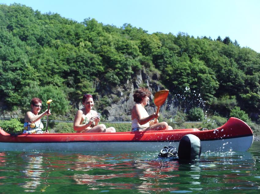 Tauchgang in Liefrange, Liefrange Luxemburg,Luxemburg,Kanu,paddeln,Fluss