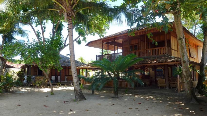 Onong Resort Hauptgebäude, Celebes Divers Sulawesi - Onong Resort, Mapia Resort, Kuda Laut Boutique Dive Resort, Indonesien, Sulawesi