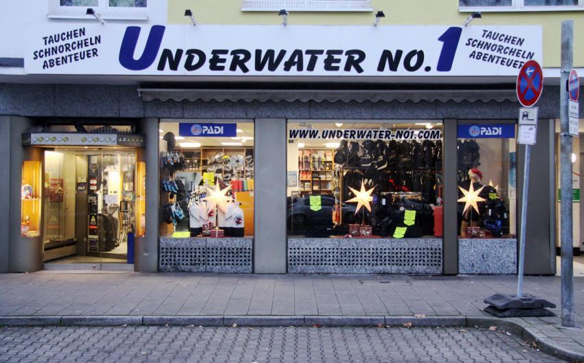 Geschäft Underwater No1 Düsseldorf Aussenansicht, Underwater No1 Düsseldorf, Underwater No. 1, Düsseldorf, Deutschland, Nordrhein-Westfalen