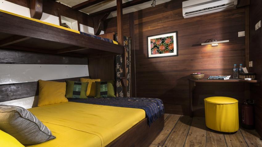 Double/twin bed cabin lower deck MV Ambai, M/V Ambai, Indonesien, Allgemein