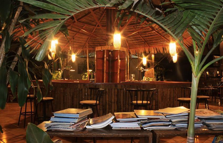 Thalassa Bar, Thalassa, Manado, Nord-Sulawesi, Indonesien, Sulawesi