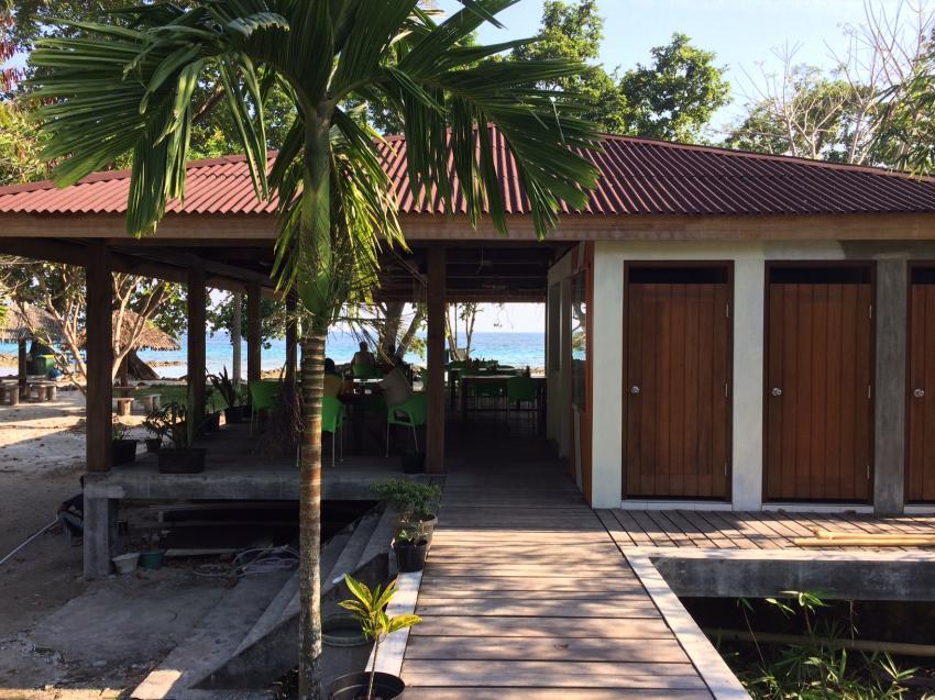 Das Restaurant Barracuda, Lumba Lumba Diving Center, Pulau Weh, Sumatra, Indonesien, Allgemein
