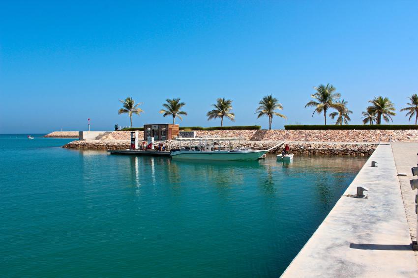 Anlegestelle der Speedboote mit Kompressorraum, Extra Divers, Sifawy Boutique Hotel, Sifah, Oman