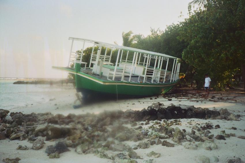 Lohifushi  ( Nord Male Atoll ) Nach der Welle, Lohifushi,Malediven,tsunami,welle,zerstörung,überflutung,schiff,gestrandet