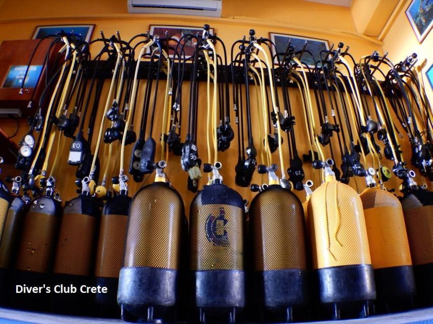 Diver's Cluc Crete Tanks - Regs, Equipment, Divers Club Crete, Agia Pelagia, Kreta, Griechenland