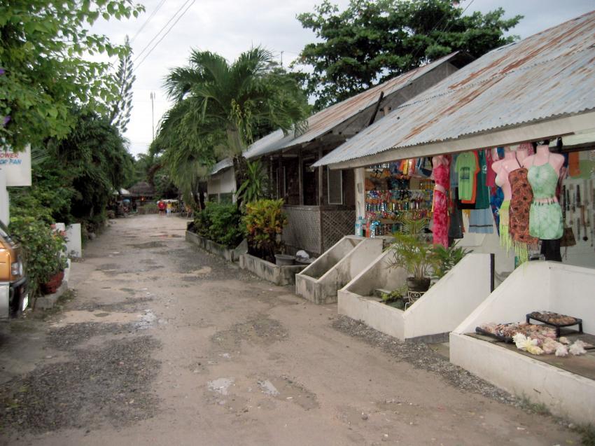 Moalboal, Moalboal & Malapascua,Philippinen,Gasse,Hütten