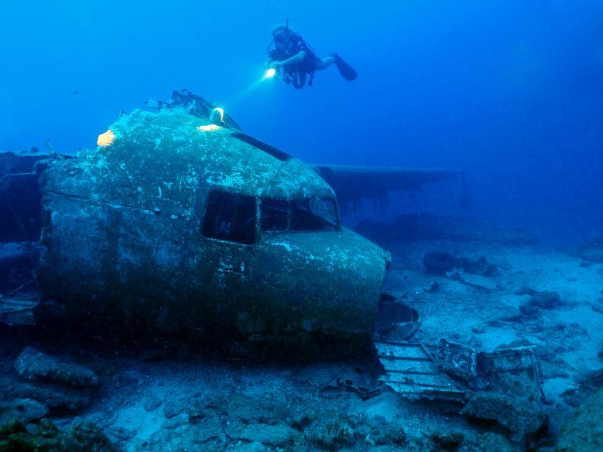 Douglas C-47 Dakota, Bodrum,Kara Ada - Flugzeugwrack Douglas C47 A Dakota,Türkei