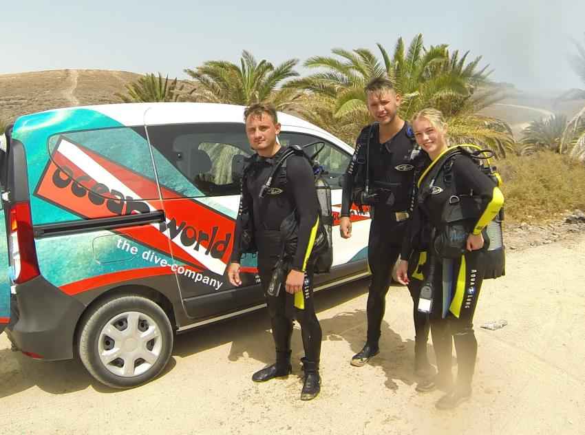 OWID mit Angelina, Andreas und Robert, OWID, Ocean World Dive Center, Tarajalejo, Fuerteventura, Spanien, Kanaren (Kanarische Inseln)