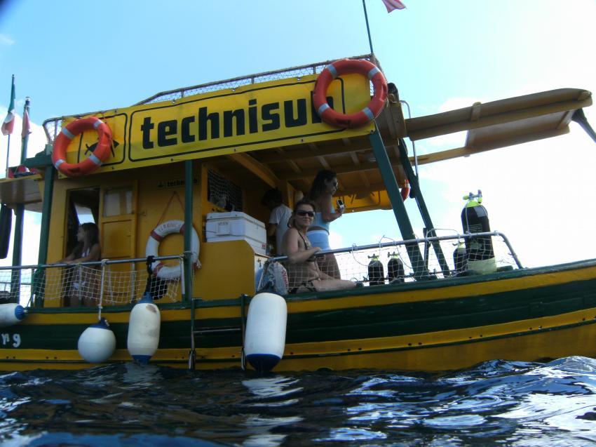 Lampedusa - with Scuba Libre, Lampedusa,Italien,tauchboot,tauchplatz,fender