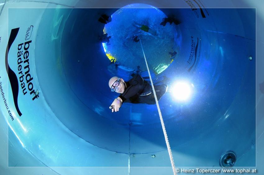 Apnoetraining im 11m tiefen Tauchturm., Tauchturm Seiersberg,Österreich