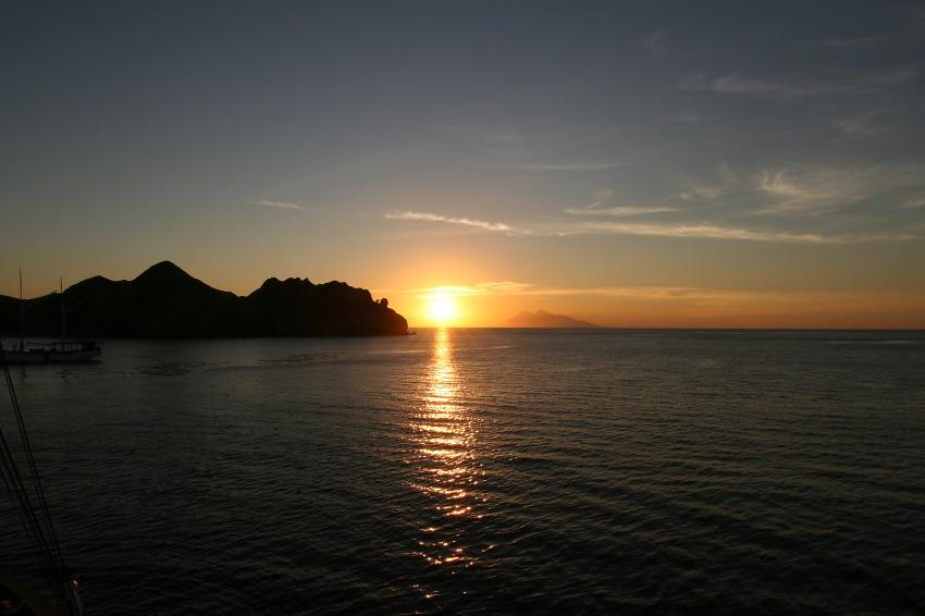 Pulau Satonda, Pulau Satonda,Indonesien,Sonnenuntergang,Meer