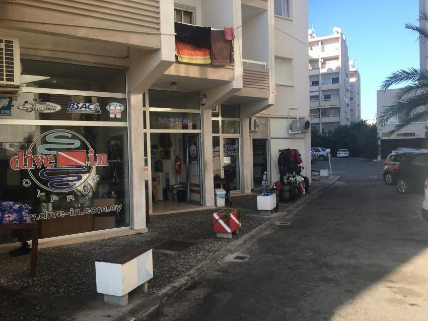 dive-in, Larnaca, Zypern