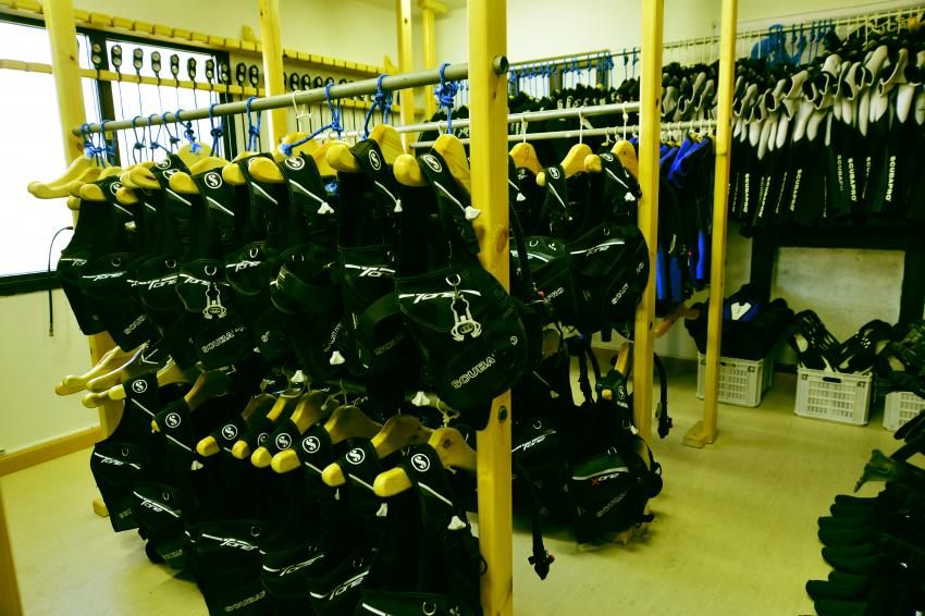 Rental Equipment from ScubaPro, Aqua Lung, Mares, ScubaWorld Divers Makadi Bay Madinat, Ägypten, Safaga