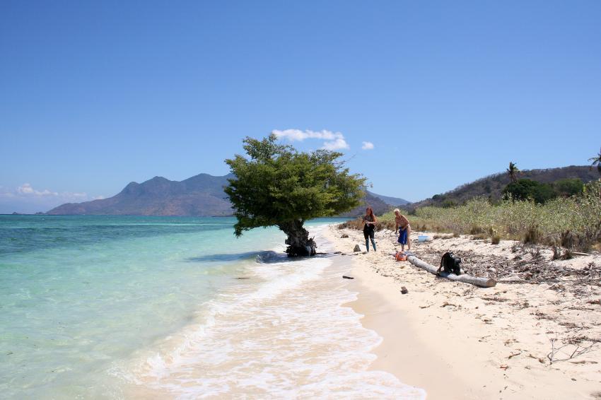 Flores Maumere, Flores Maumere,Indonesien,Strand,weißer Sand