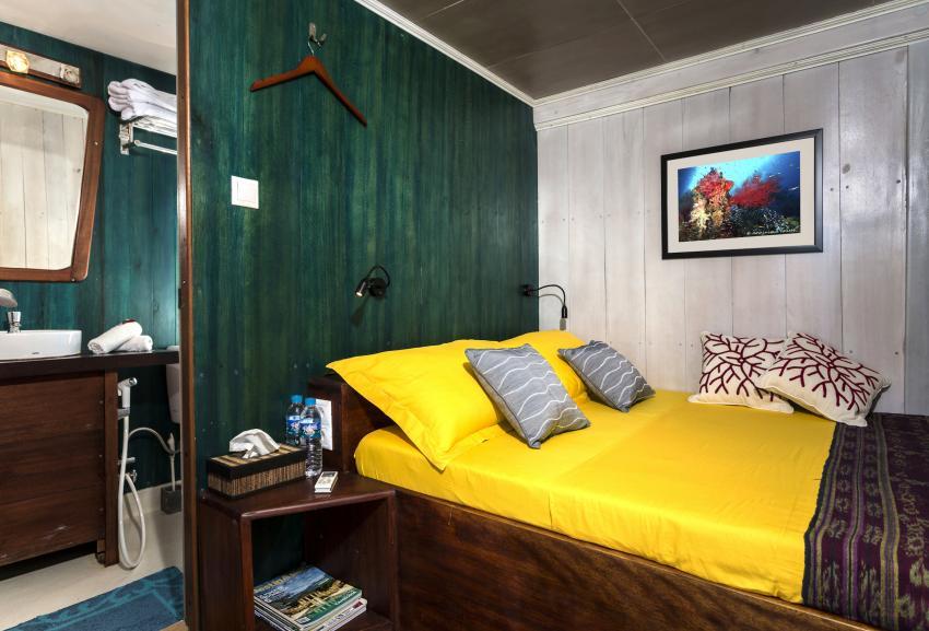 Double bed cabins 7 & 8 upper deck MV Ambai, Double bed cabins 7 & 8 upper deck MV Ambai, MV Ambai, Indonesien, Allgemein