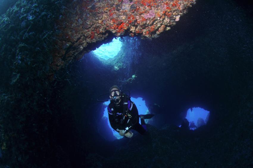 Käse Cala Ratjada, balearen,Spanien,Cenoten,Höhlentauchen,Taucher