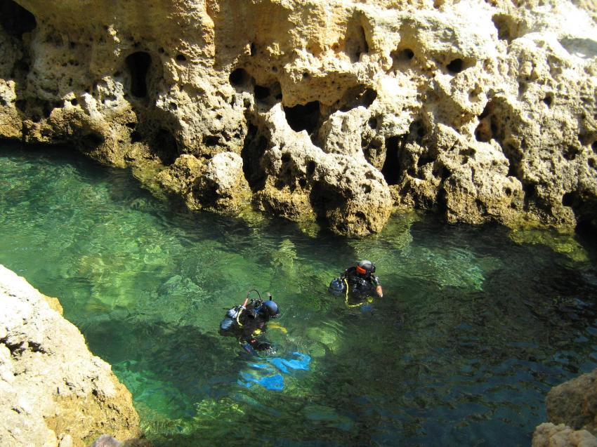 Divers Cove, Carvoeiro