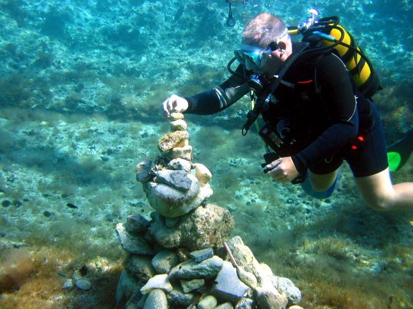 Lantern Point und Umgebung (Cirkewwa), Lantern Point,Malta,Taucher,entspannter Tauchgang