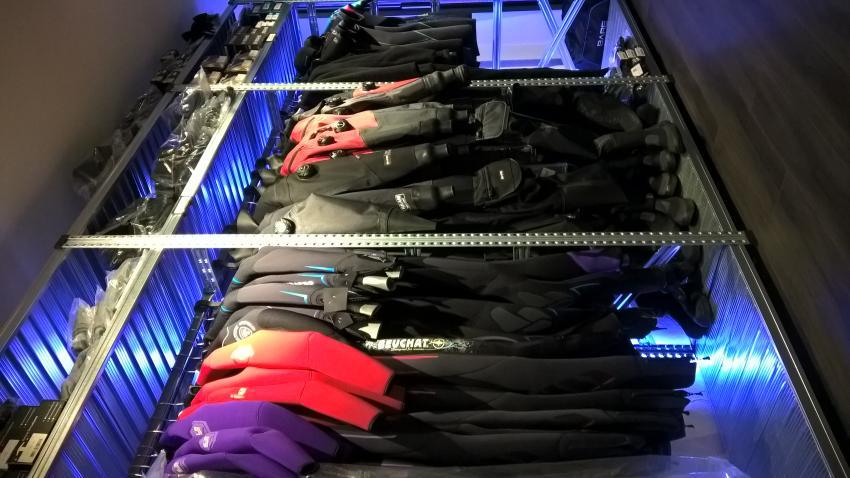 BARE Dry Suit Center, trockentauchen, Tectauchshop.de, Deutschland, Onlineshops